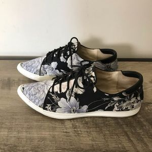 ALL BLACK Satin FLORAL Pointy Toe SNEAKERS Flats 6
